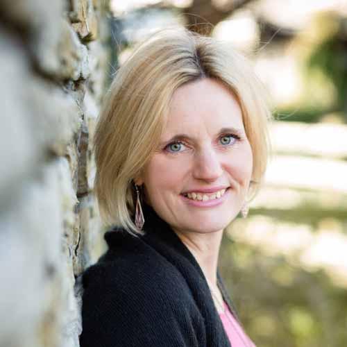 Faye Dicker